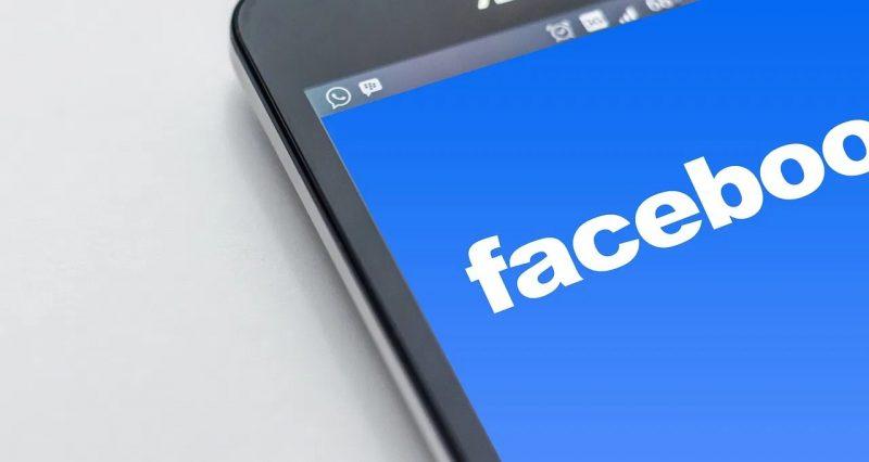 Buscar personas por numero o correo electronico en Facebook